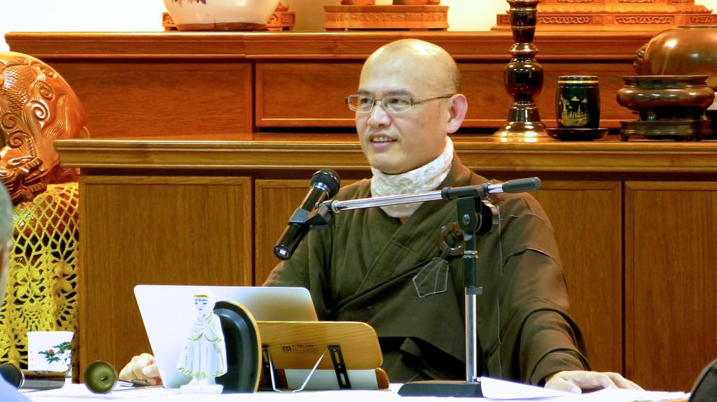 20141205-6 皓月精舍住持如智長老連續兩晚開示講解《慈經》。